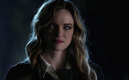 Kevin Smith explica como dirigiu o icônico beijo da Killer Frost em The Flash